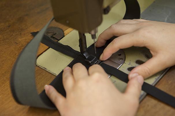 7. 革すべり千鳥縫い